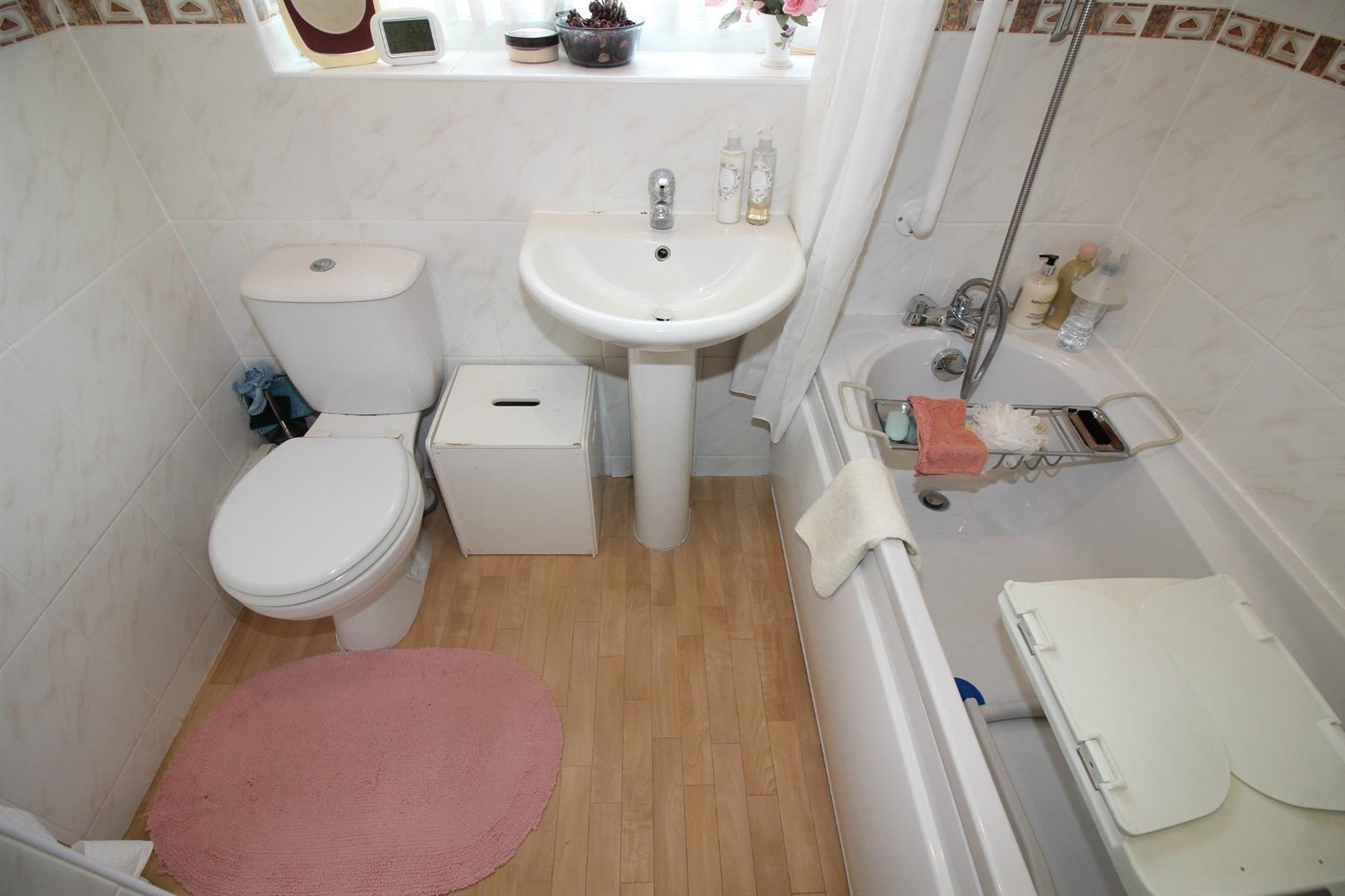 Cheshunt station toilets